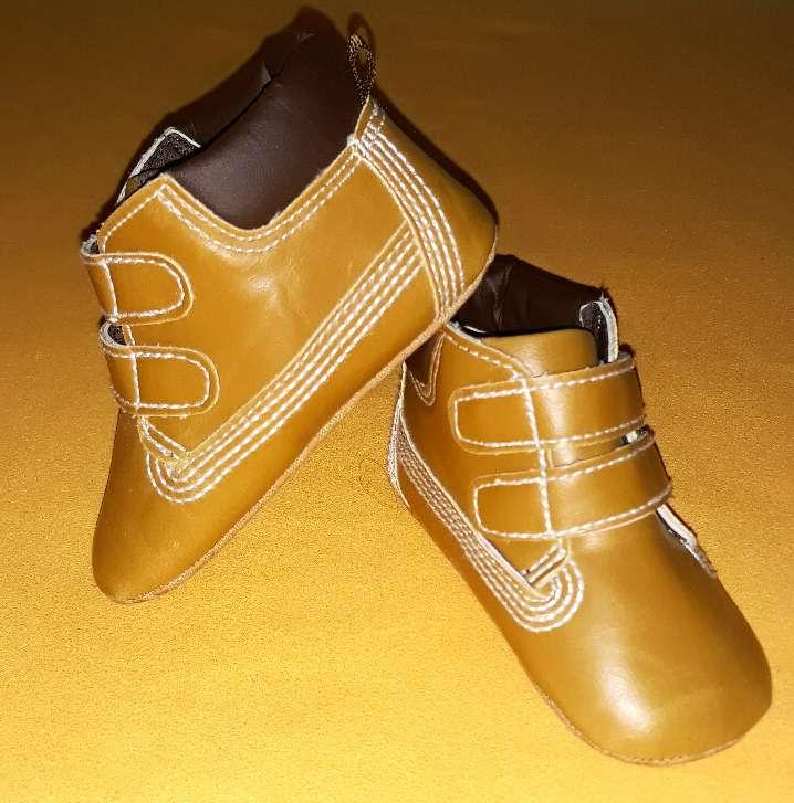 Imagen Zapatos nuevos, núm 17-18.
