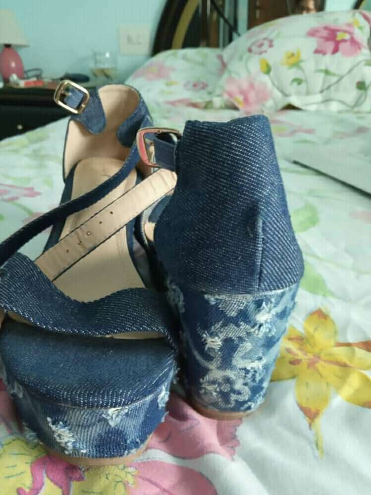 Imagen sandalia azul