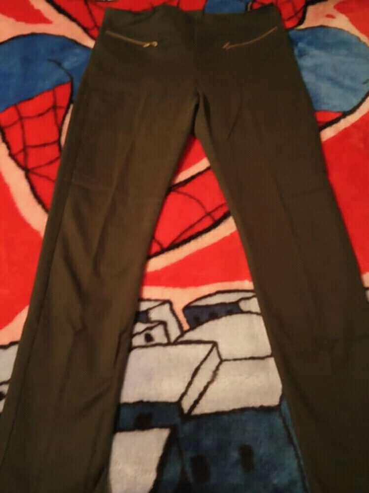 Imagen pantalon kaki