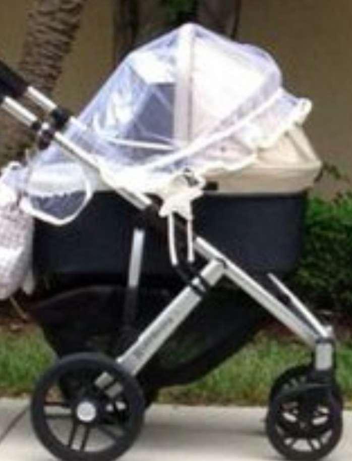 Imagen mosquitera para coche y cuco bebé.