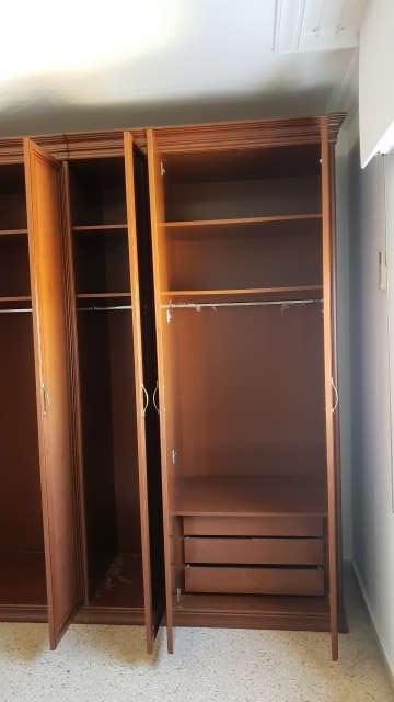 Imagen producto Armario color nogal cinco puertas  5