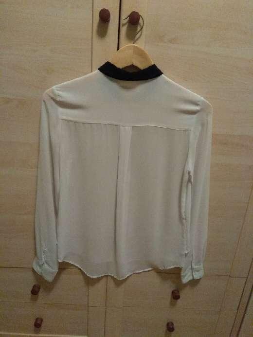 Imagen producto Camisa blanca con los cuellos negros 2
