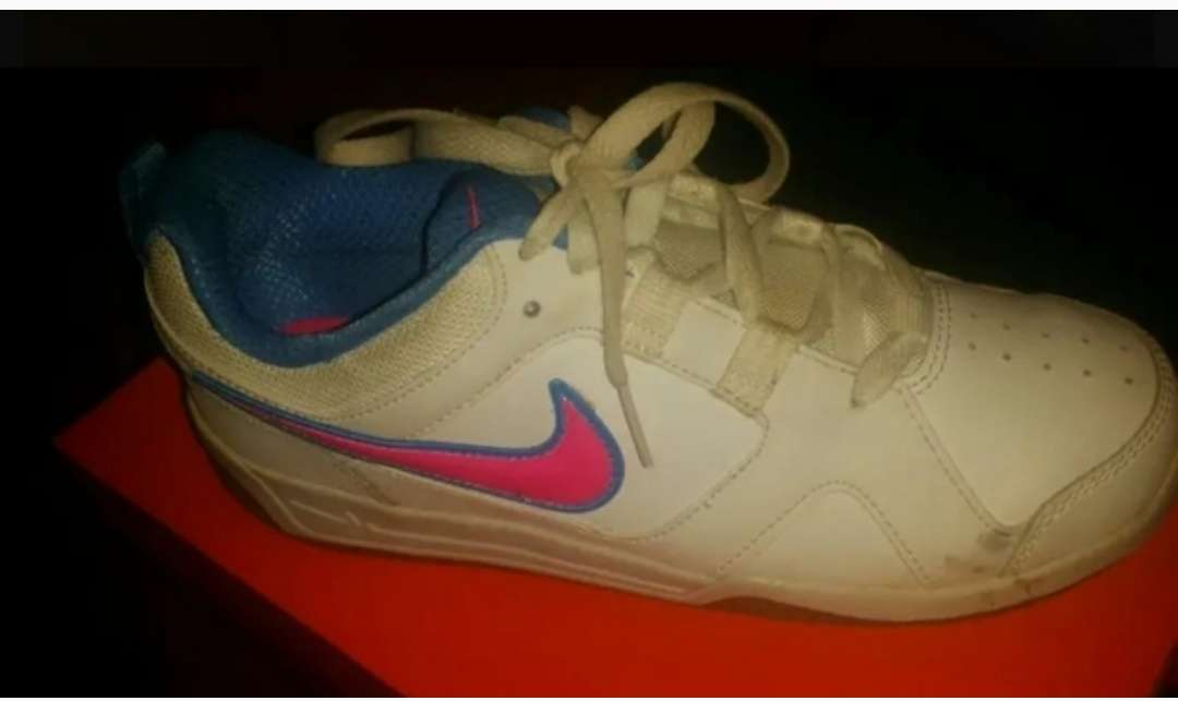Imagen producto Zapatos de toda clase 4