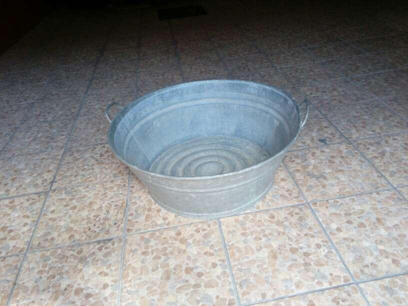 Imagen se vende  antiguo barreño de cinc