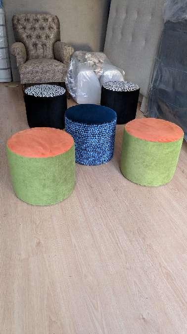 Imagen puff NUEVOS diferentes colores Pierre Frey