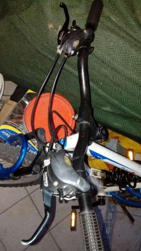 Imagen bicicleta escucho ofertas
