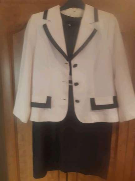 Imagen vendo traje chaqueta