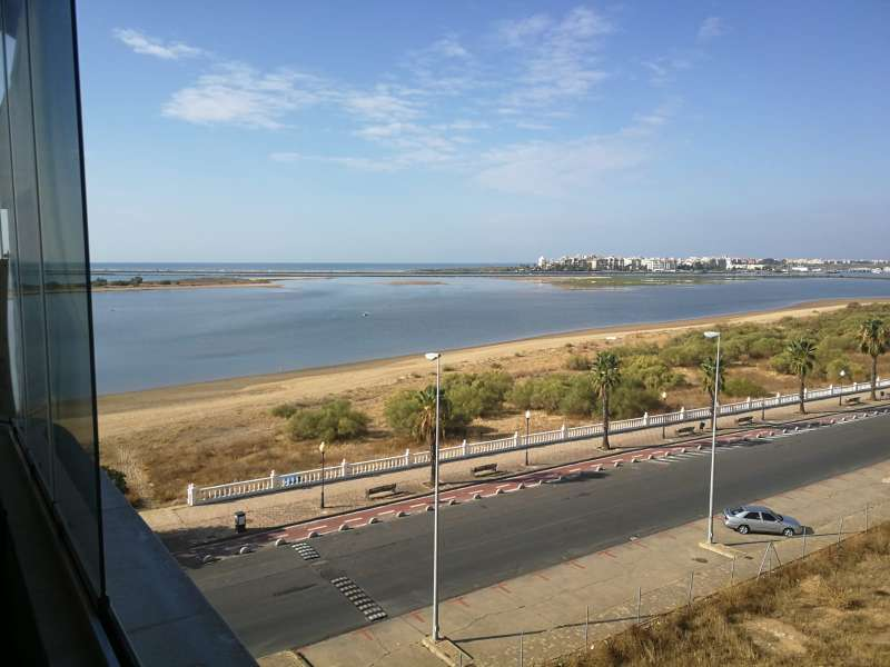 Imagen producto Expectacular atico isla Cristina Huelva. 8