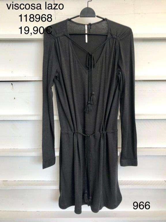 Imagen producto Stock de ropa por cierre de tienda 10