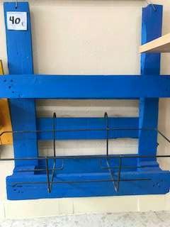 Imagen estanteria de palet azul