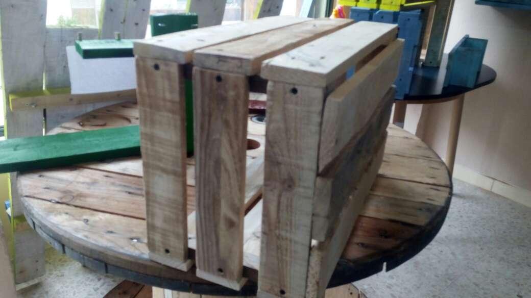 Imagen cajon de madera maciza