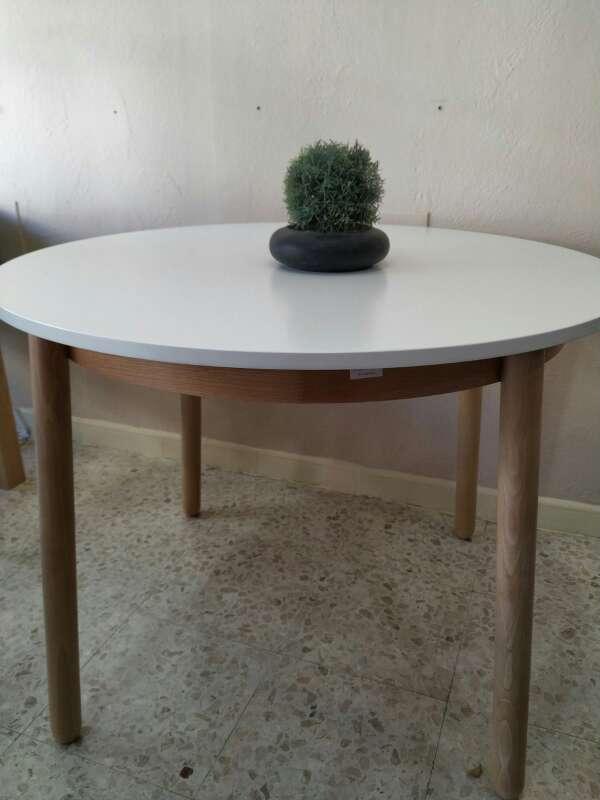 Imagen mesas nuevas salon