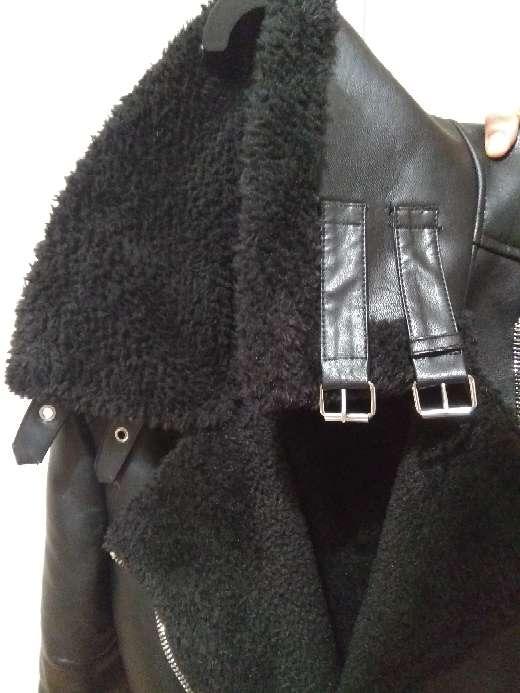 Imagen producto Cazadora NUEVA negra de cuero con borrego 2
