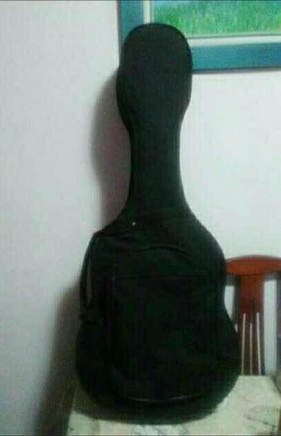 Imagen producto Estuche para guitarra. 3