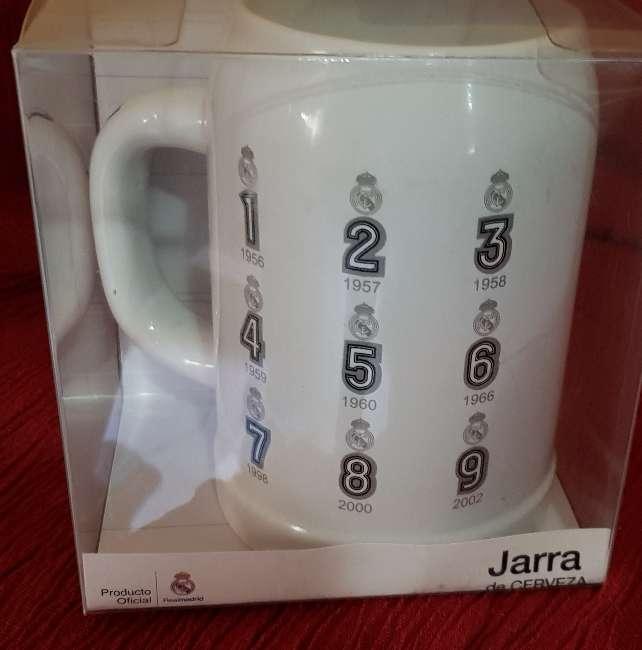 Imagen producto Jarra oficial del madrid 2