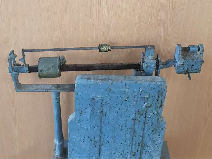 Imagen producto Bascula antigua 140 € 3