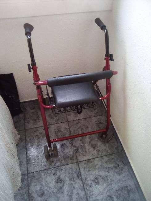 Imagen producto Caminador para personas mayores 1