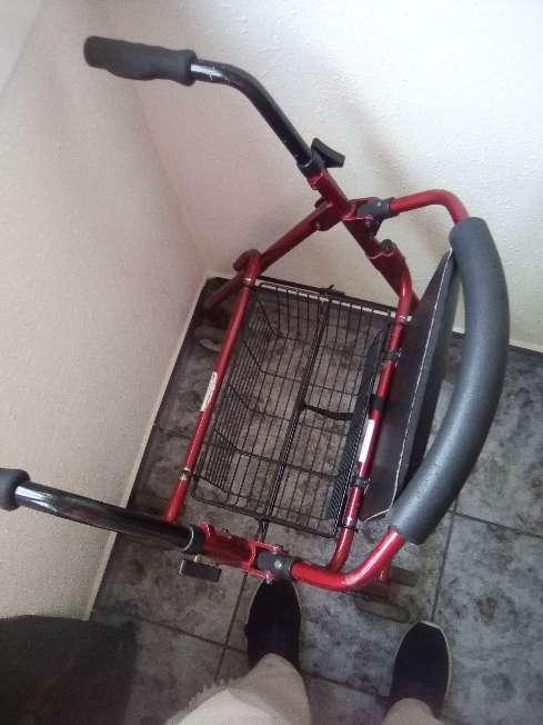 Imagen producto Caminador para personas mayores 2