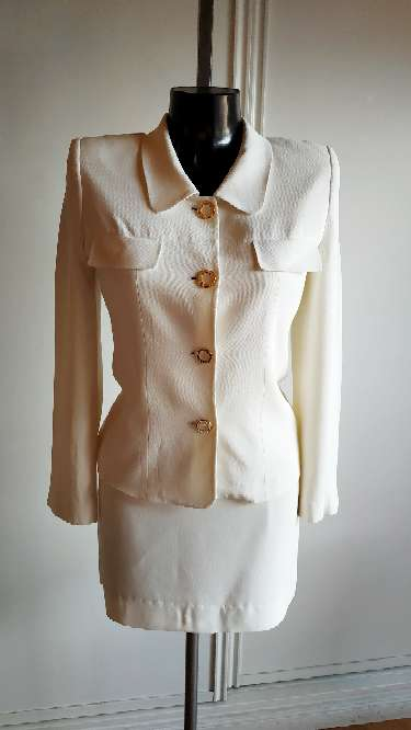 Imagen traje chaqueta y falda