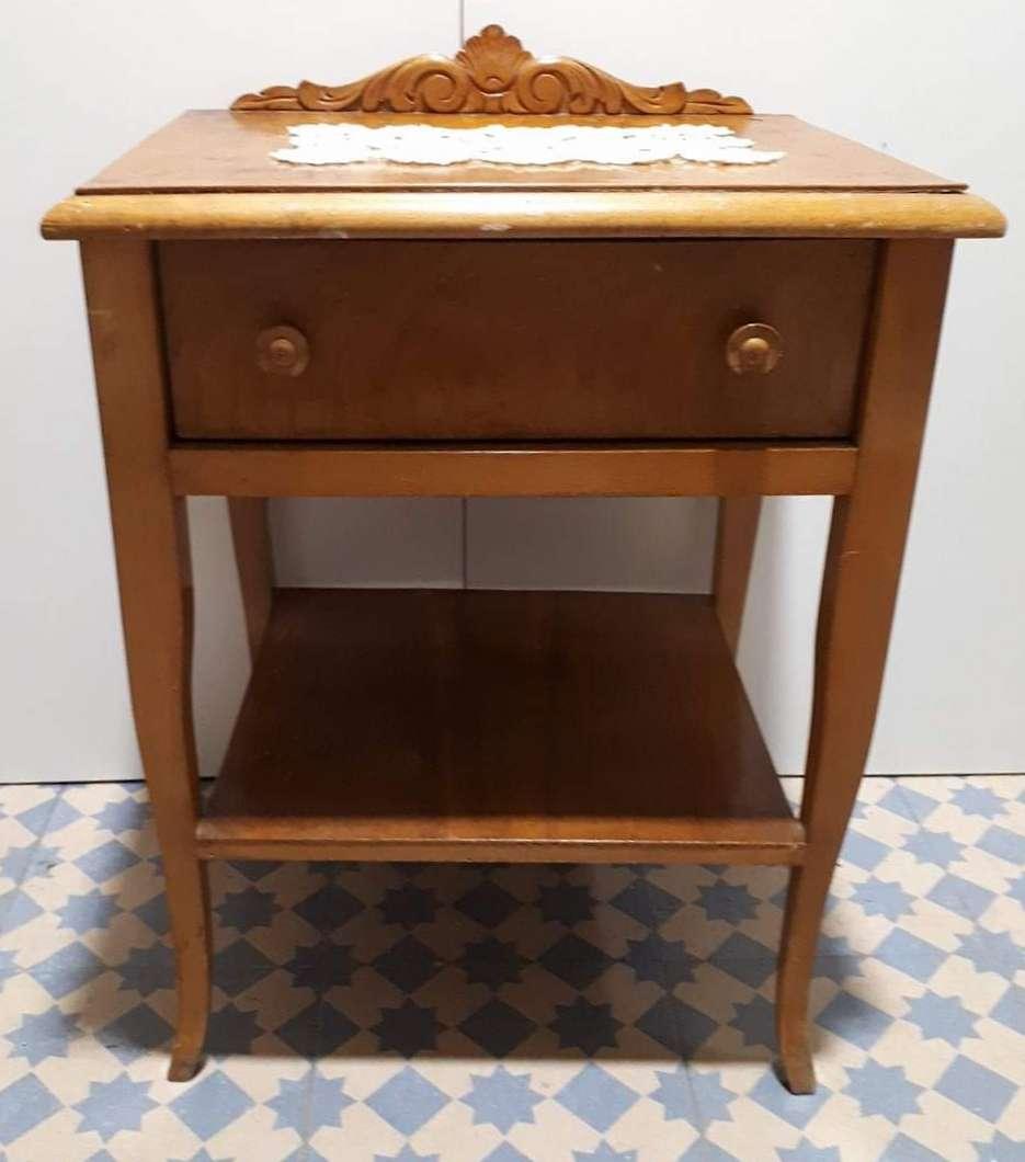 Imagen producto Mesilla madera 30 € 1