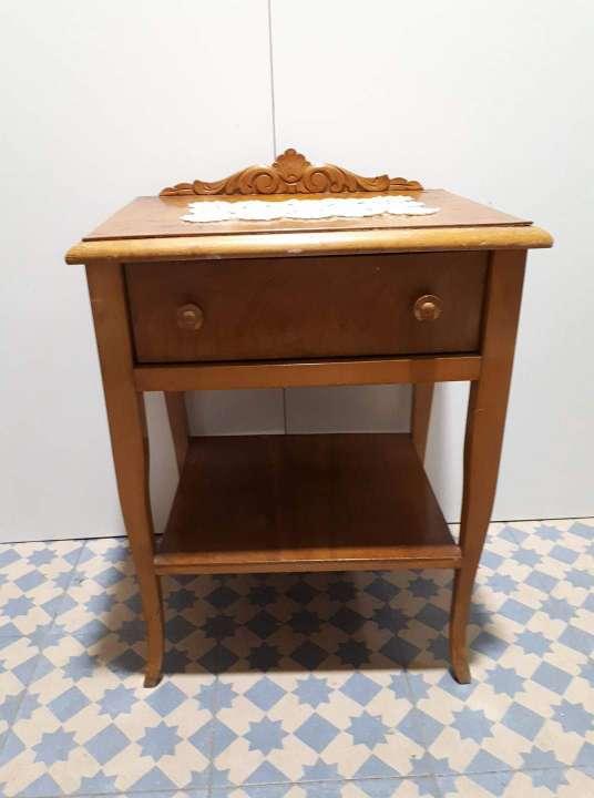 Imagen producto Mesilla madera 30 € 2