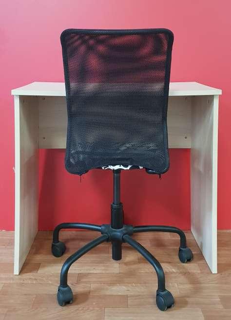 Imagen producto Conjunto mesa y silla 50 € 4