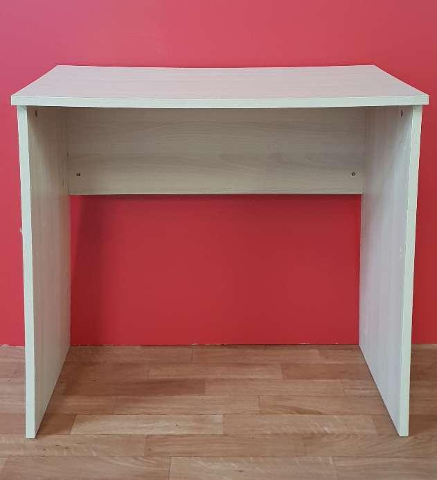 Imagen producto Conjunto mesa y silla 50 € 1