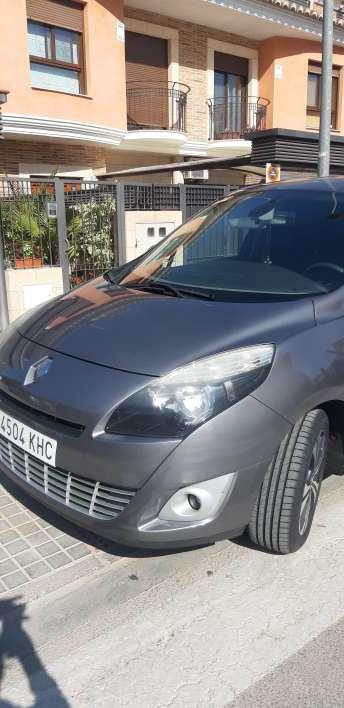 Imagen producto Renault gran scenic edición LIMITADA bose del 2011 2