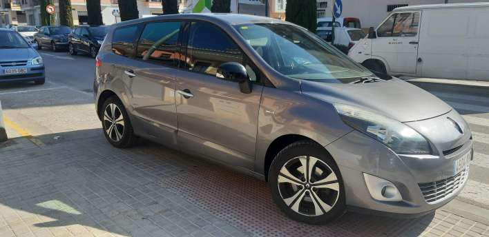 Imagen Renault gran scenic edición LIMITADA bose del 2011