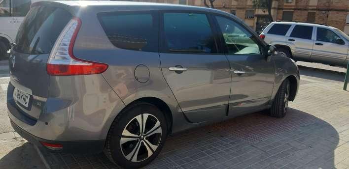 Imagen producto Renault gran scenic edición LIMITADA bose del 2011 4