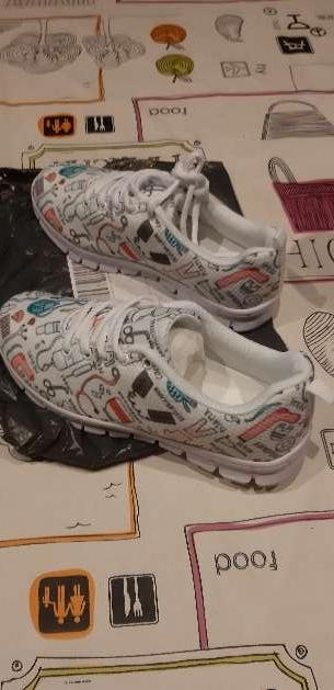Imagen producto Zapatillas nuevas a estrenar ESPECIALES para enfermeras  2