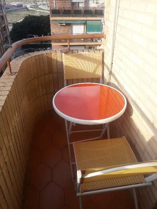 Imagen mesa + 2 sillas