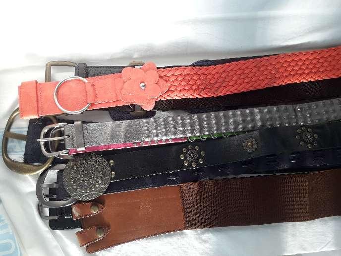 Imagen boinas,guantes,bufandas,cinturones