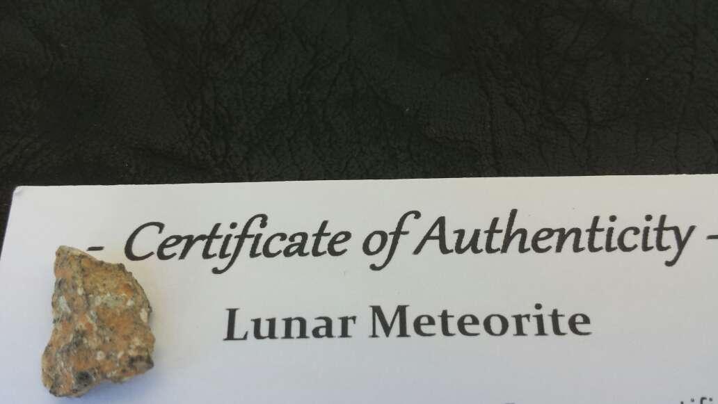 Imagen producto Meteorito lunar colección  2