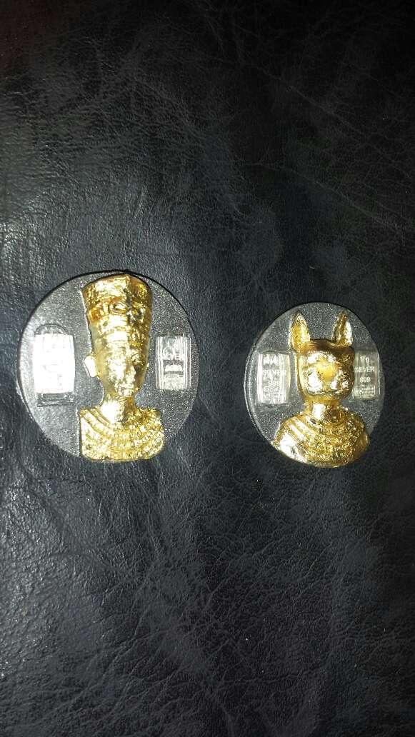 Imagen producto 2 monedas de polvo de meteorito  2