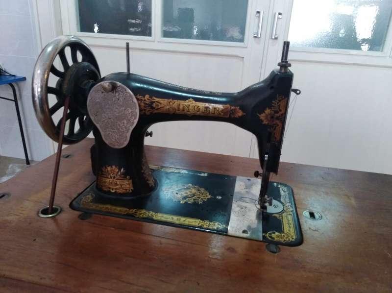 Imagen producto Reservada Máquina de coser THE SINGER Manufacturing. 2