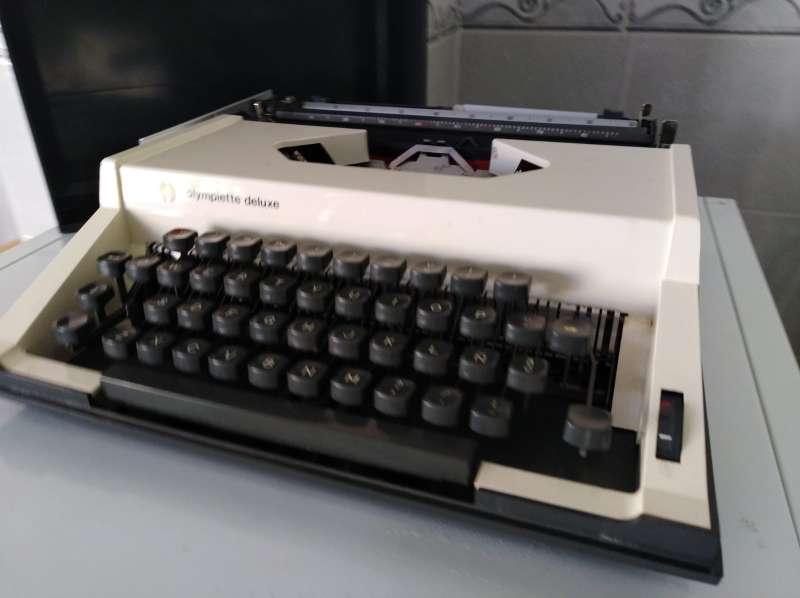 Imagen producto Máquina de escribir Olimpiette de luxe.  2