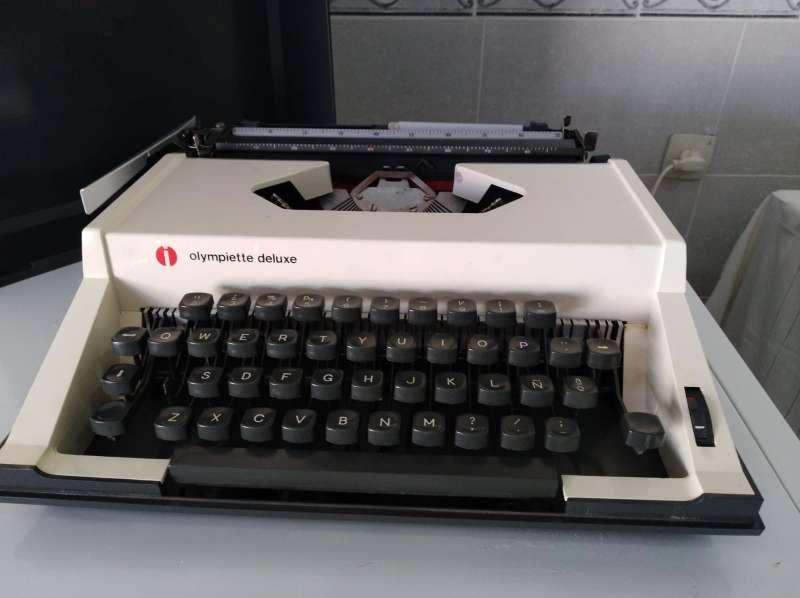 Imagen producto Máquina de escribir Olimpiette de luxe.  4