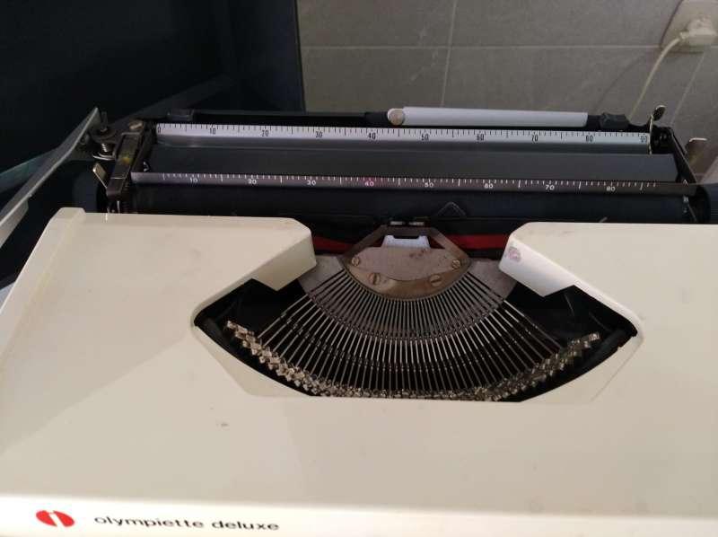 Imagen producto Máquina de escribir Olimpiette de luxe.  5