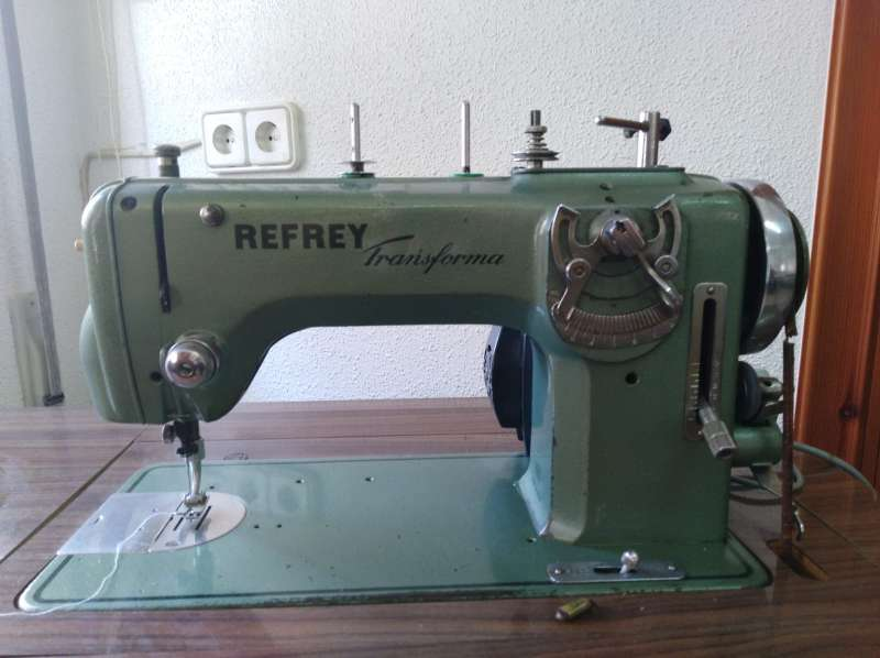Imagen producto Máquina de coser REFREY Transforma. 3