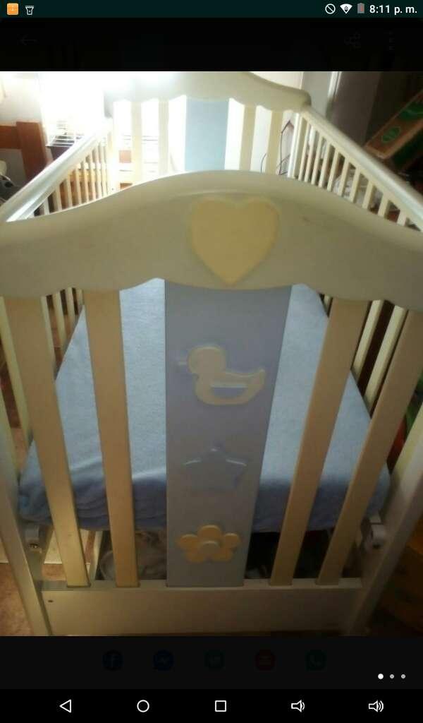 Imagen cuna de bebe