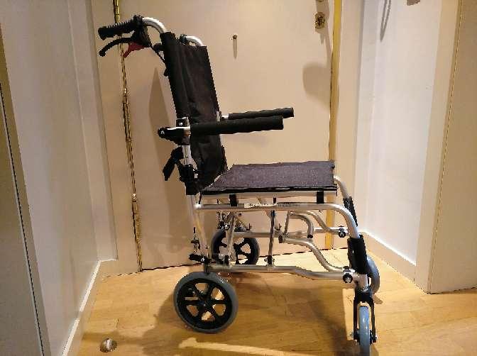 Imagen silla ruedas ancho 40 cm y andador