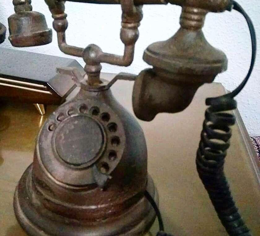 Imagen producto Teléfono Decorativo de Hierro Fundido 2