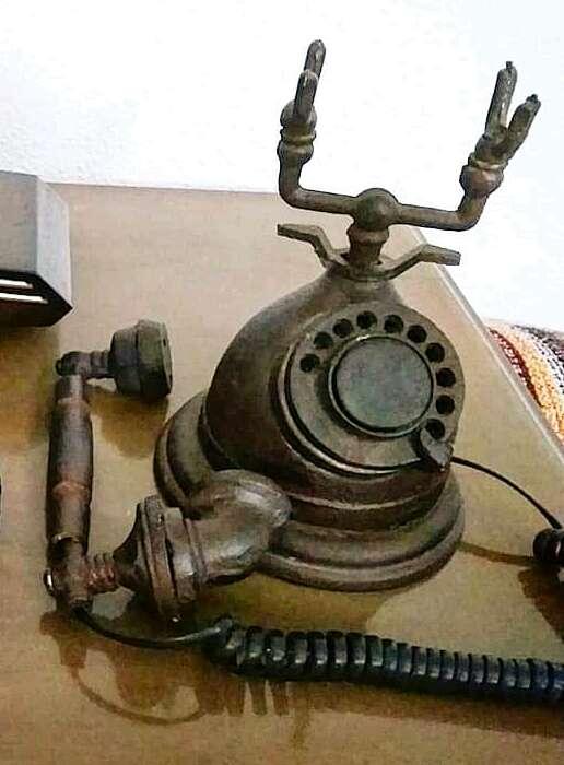 Imagen producto Teléfono Decorativo de Hierro Fundido 3