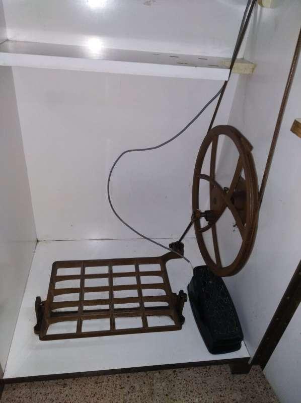 Imagen producto Máquina de coser REFREY Transforma. 4