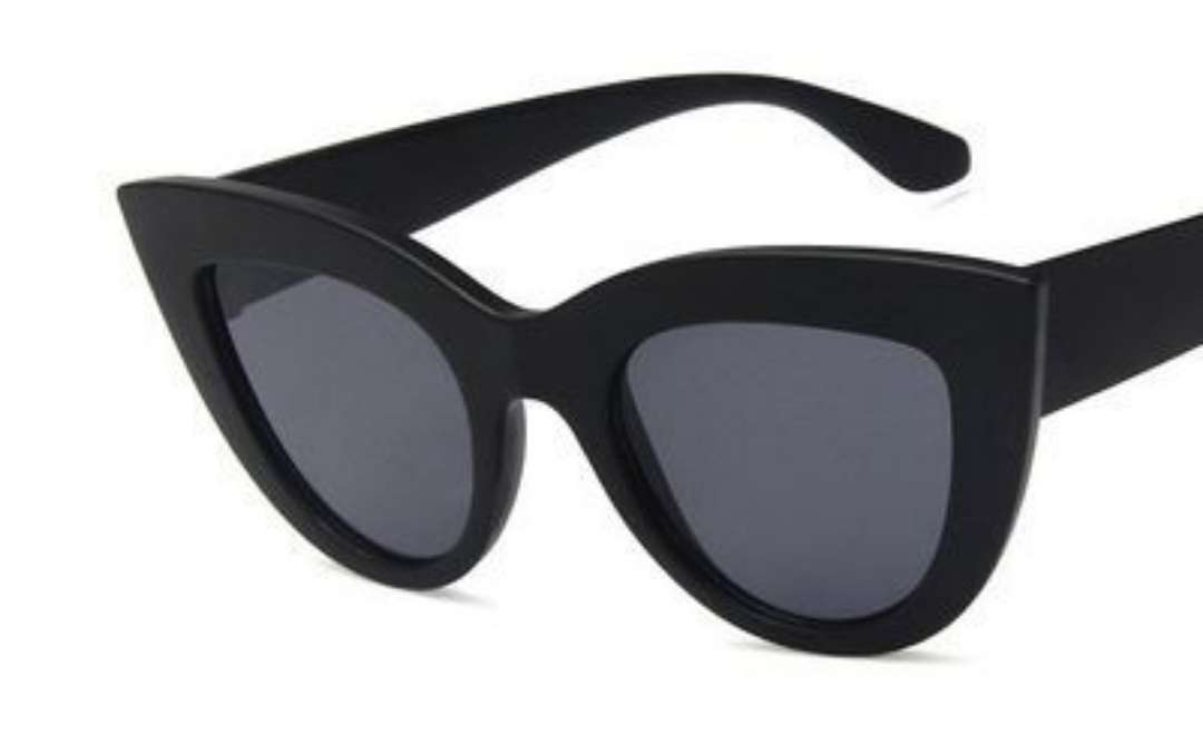 Imagen producto Gafas fashion, sin usar. Impecables  2