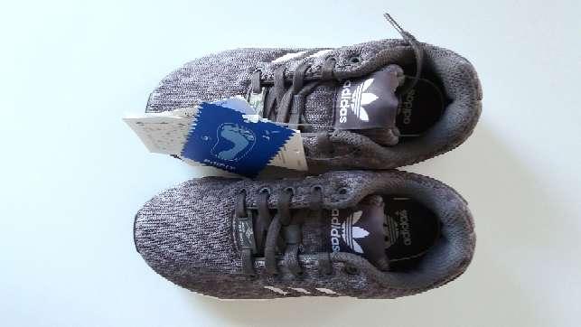 Imagen producto Zapatillas auténticas Adidas modelo ZX FLUX talla 30 7