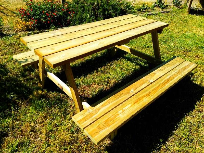 Imagen producto Mesa picnic Modelo 6P de madera tratada para exteriores 2