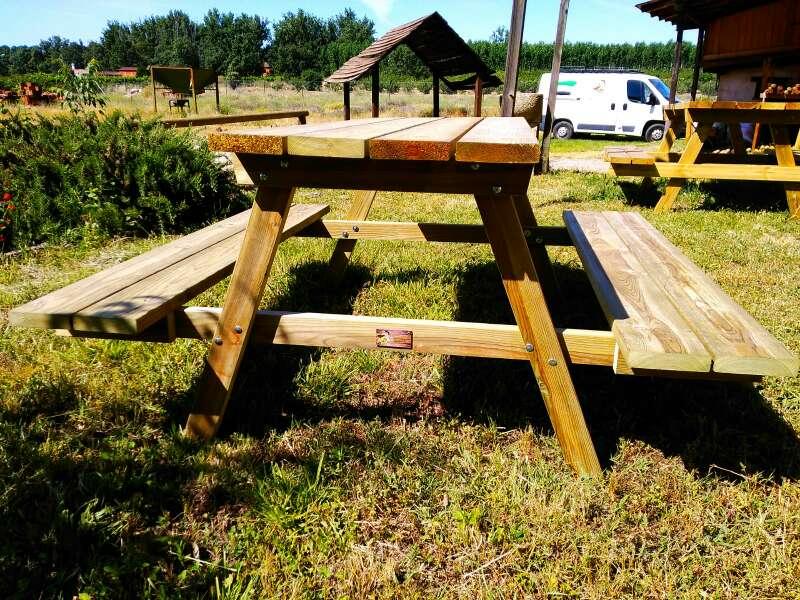 Imagen producto Mesa picnic Modelo 6P de madera tratada para exteriores 1