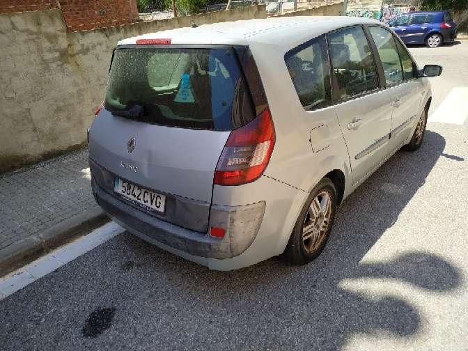 Imagen producto Renault gran scenic año 2003 7 plazas líquido 400€ culata averiada 4